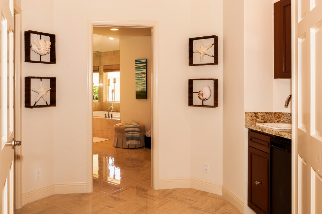 ADJUSTED 2449_del_lago_drive_MLS_HID1055692_ROOMvanityarea